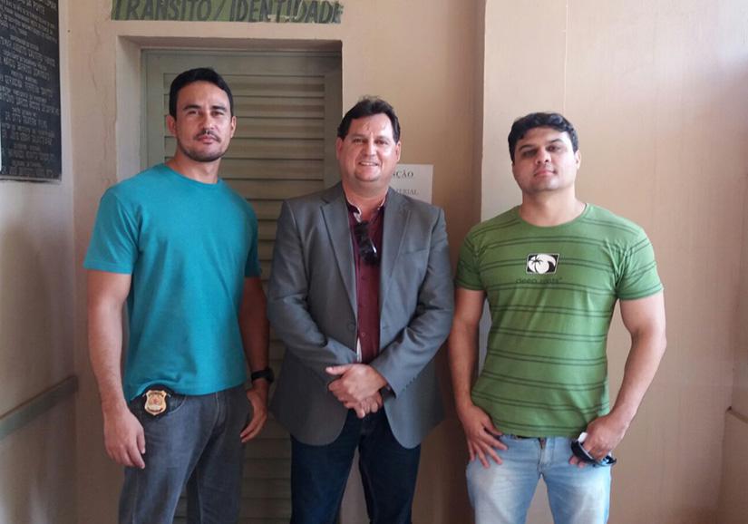 Investigador Luís André, o diretor Enmerson Motta e escrivão Ramon Freitas Ramon Freitas