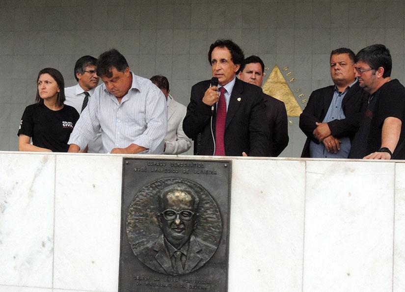 """Presidente do Sindpol/MG Antônio Marcos Pereira """"Toninho Pipoco"""" apresentou os pontos de pauta a serem discutidos e deliberados pela categoria"""