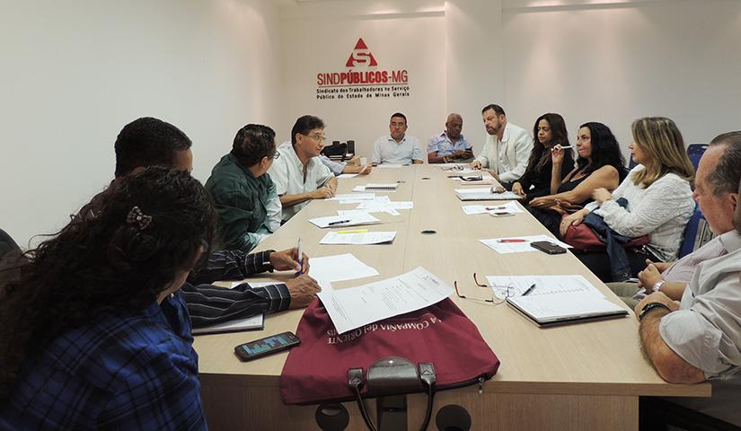 Reunião da Intersindical no SINDPÚBLICOS-MG