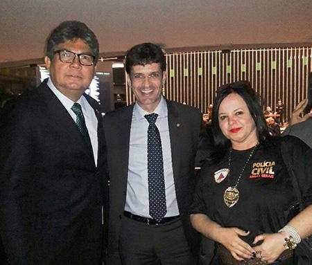 Meg em reunião em Brasilia03