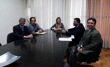 Reunião com a Dra. Ana Cláudia Perri